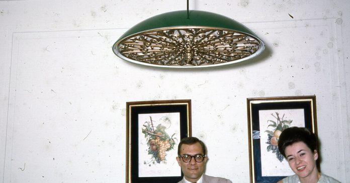 The Lamp Was a Clue to a Life I Didn't Know My Mother Had