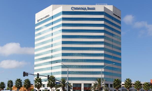 Canadian Buyer Scoops Ocean Plaza in Huntington Beach