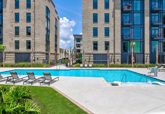 Madison Capital Group Acquires 275-Unit Foundry Point Apartment Community in Trendy Downtown Charleston, South Carolina