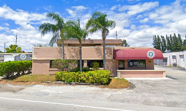 Boca Raton Mixed-Use Building Trades for $1.1 Million