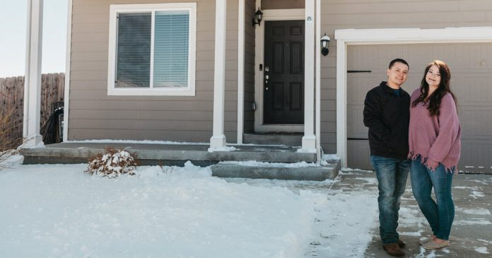 In the Pandemic, Online Home-Buying Picks Up Speed