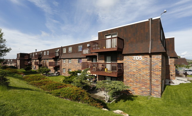 Tzadik Properties Makes Largest Midwest Acquisition to Date With 265-Unit LaCrosse Estates Apartment Community in Sioux Falls