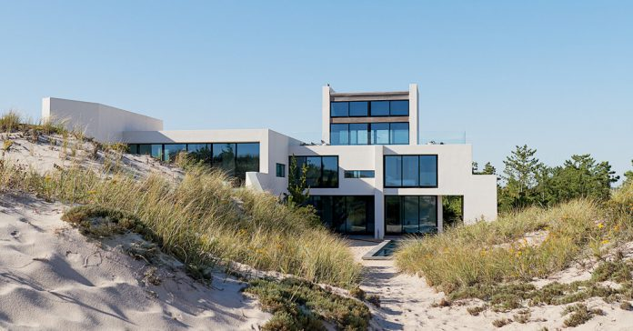 In Southampton, a Beach House Not Like the Others