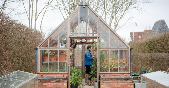 How a British Gardening Show Got People Through the Pandemic