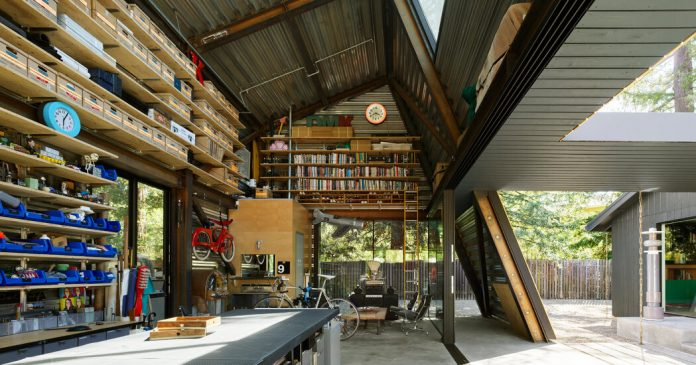 A Design Expert Makes Space for Tools and Memories