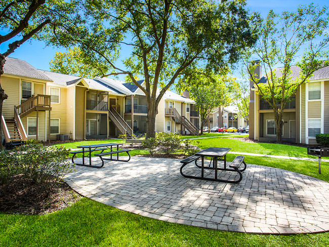 Ashcroft Capital Acquires 352-Unit Elliot Baymeadows Apartment Community in Royal Lakes Neighborhood of Southern Jacksonville