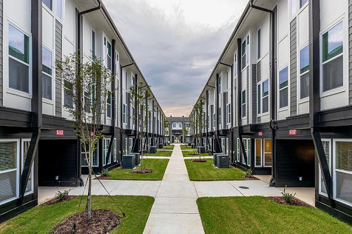 Preiss Company and Nuveen Real Estate Joint Venture Acquire 504-Bed Reign at The Stadium Student Housing Community in South Carolina